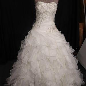 Mori Lee off white wedding gown sz 4 (HH0524)